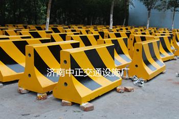 济南中正  道路防撞墩  用于道路交通  价格电议图片