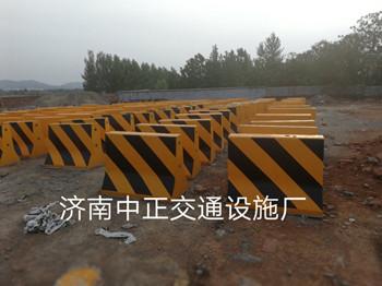 济南中正  1m道路水泥隔离墩  用于道路交通  价格电议图片