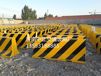 济南中正  2m公路水泥隔离墩  用于道路交通  价格电议图片