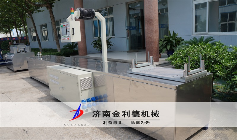 碳梁拉挤生产产线图片