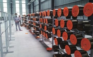 """连续玄武岩纤维项目""""点石成金"""" 助力四川打造万亿级先进材料产业"""